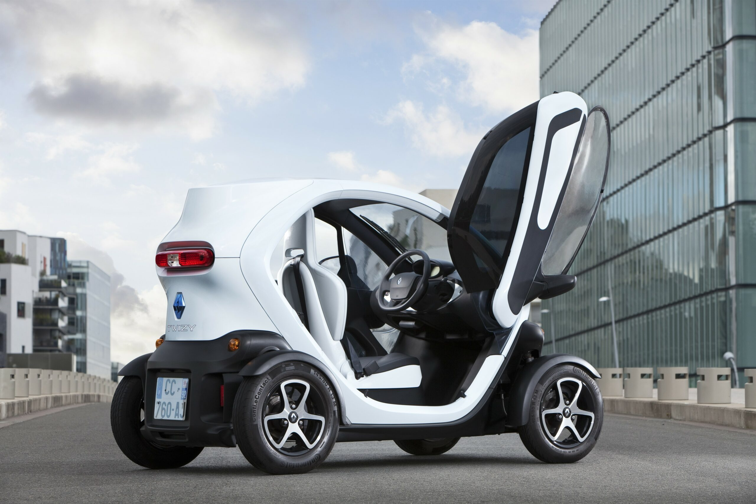 renault twizy g n ration sans permis. Black Bedroom Furniture Sets. Home Design Ideas