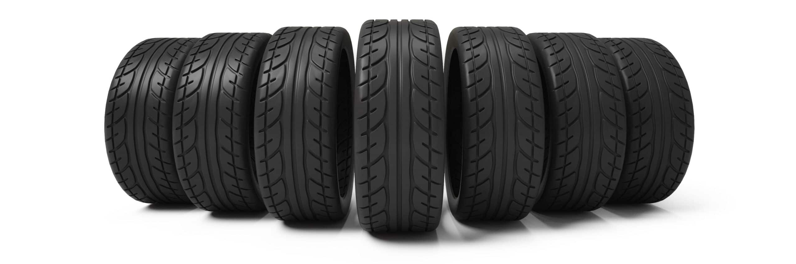 comment choisir les pneus pour les voitures sans permis. Black Bedroom Furniture Sets. Home Design Ideas